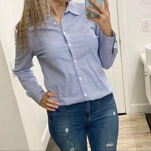 Ann Taylor buttons down shirt. Size 10